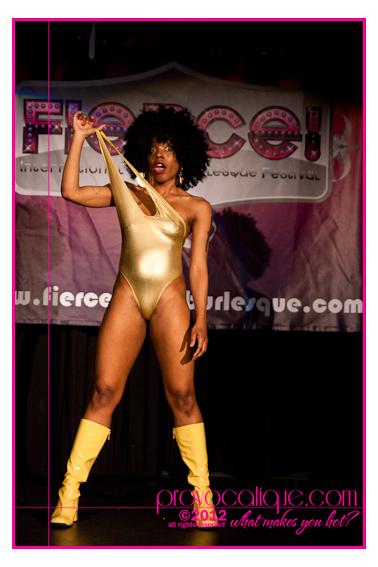 columbus_ohio_queer_burlesque_photographer_fierce_showcase_395