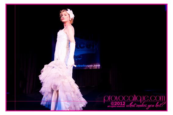 columbus_ohio_queer_burlesque_photographer_fierce_showcase_400