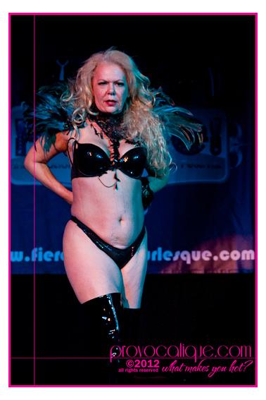 columbus_ohio_queer_burlesque_photographer_fierce_showcase_443